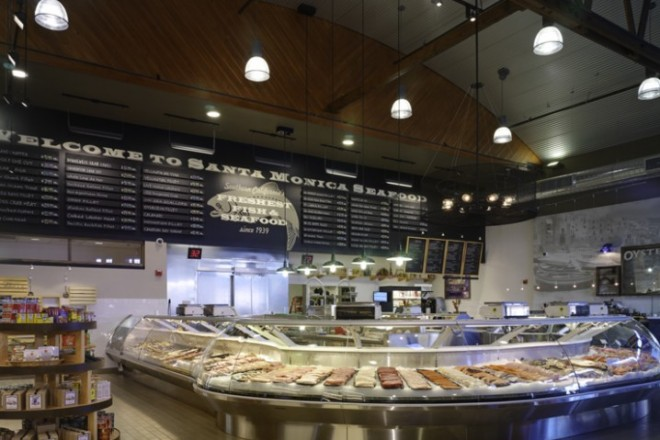 Seafood-Case-718x581c